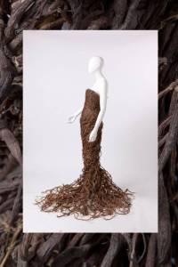 Un vestito di radici di liquirizia