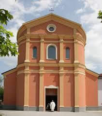 L'esterno della chiesa San Martino di Riparotta