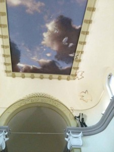 Il murales dipinto sulla volta da Eron